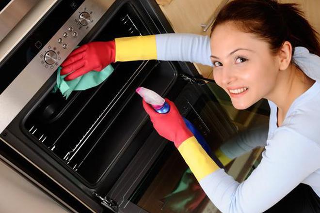 Lär dig hur man rengör ugnen